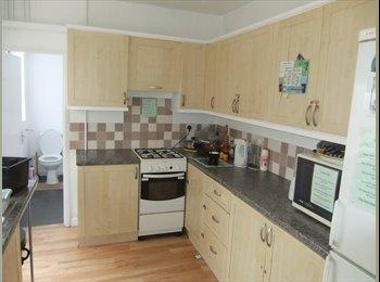 EasyRoommate UK - Spacious Double Room  - No Deposit needed, Rugby - £350 pcm