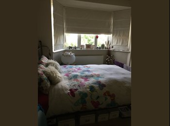 EasyRoommate UK - 3 Mins Walk to Station - 20mins to Kings Cross, Oakleigh Park - £700 pcm