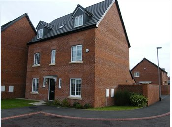 EasyRoommate UK - LUXURY HOUSESHARE IN KIRBY WITH ROOM TO LET, Croxteth - £585 pcm