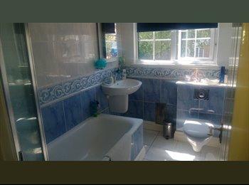 EasyRoommate UK - Double Room in Hadley Wood, Hadley Wood - £600 pcm
