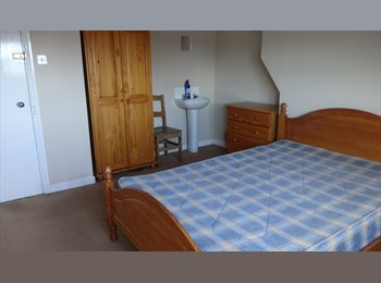 EasyRoommate UK -  Double  Room Available In Town Centre, Leamington Spa - £500 pcm