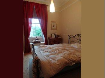 EasyRoommate UK - Double bedroom in nice and clean flat short term, Edinburgh - £370 pcm