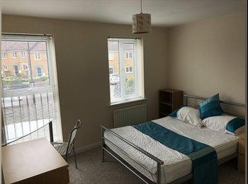 EasyRoommate UK - Double Room in modern house - bills incl., Filton - £505 pcm