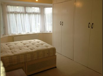 EasyRoommate UK - Double Room incl of all bills, Whitton - £575 pcm