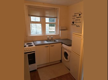 EasyRoommate UK - ROOMS ON WOODHOUSE LANE LS2 OPPOSITE LEEDS UNI, Hyde Park - £368 pcm