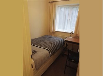 EasyRoommate UK -  2 single bed rooms in Girton -£560pm each, Castle - £560 pcm