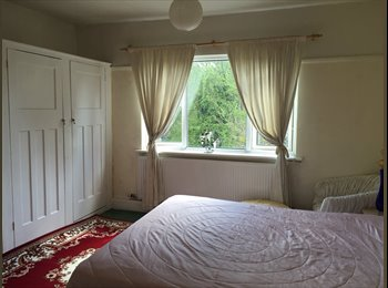EasyRoommate UK -  super decent spacious double room in Greenwich, Charlton - £700 pcm