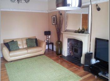 EasyRoommate UK - Westover House, Porthcawl, Bridgend - £425 pcm