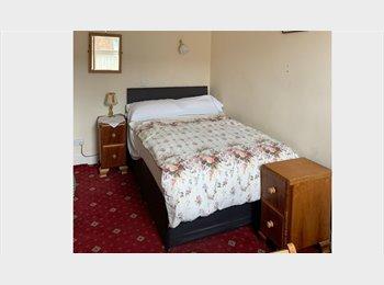 EasyRoommate UK - Double, near Heaton Park , Heaton - £300 pcm