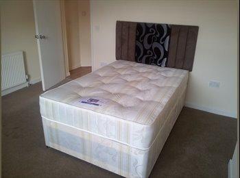 EasyRoommate UK - Double  Room Birmingham City Centre 5ways Bills inc, Highgate - £400 pcm