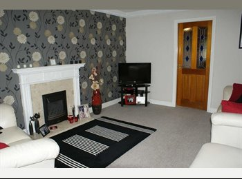 EasyRoommate UK - Fantastically located luxury property., Buttershaw - £700 pcm