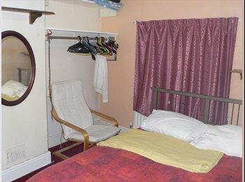 EasyRoommate UK - Double Room, Whitehall - £410 pcm