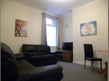 EasyRoommate UK - Professionals, Mossley Hill - £295 pcm