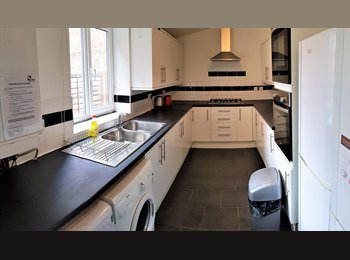 EasyRoommate UK - £0 Zero Admin Fee  All Bills & Council Tax Included, Moss Side - £400 pcm