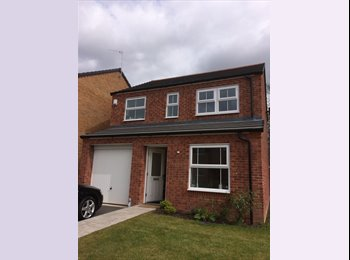 EasyRoommate UK - Rooms for rent in Canley from July 2015, Lime Tree Park - £2,150 pcm