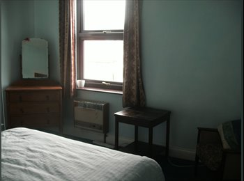 EasyRoommate UK - Double  Room Available, Central Walsall, Walsall - £270 pcm