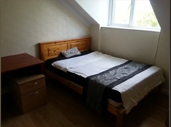 EasyRoommate UK - WEEKEND OFFER! NOT TO BE MISSED ., Potternewton - £270 pcm