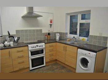 EasyRoommate UK - GILLINGHAM - £395 DOUBLE ROOM - BILLS INC., Gillingham - £395 pcm