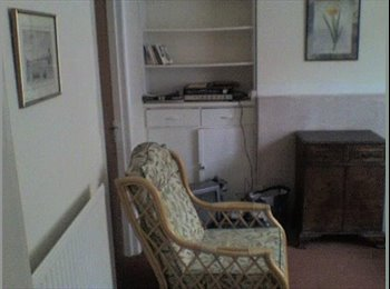 EasyRoommate UK - Rooms in Northampton town centre, Semilong - £300 pcm