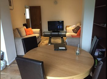 EasyRoommate UK - Rooms for rent, Northolt - £300 pcm