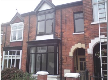 EasyRoommate UK - Double Room in this excellent Shared House., Grimsby - £345 pcm