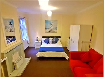 EasyRoommate UK - SOMEONE NEED A GREAT  HOME???, Portswood - £465 pcm