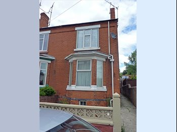 EasyRoommate UK - Double room available in shared house,  Chesterfield town centre, Chesterfield - £303 pcm