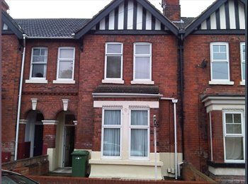 EasyRoommate UK - Room with own Shower and basin to let, Grimsby - £345 pcm