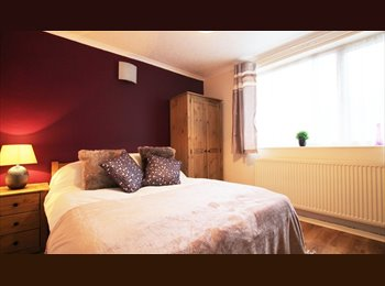 EasyRoommate UK - HIGH STANDARD ROOMS in a quiet location!, Burton-on-Trent - £368 pcm