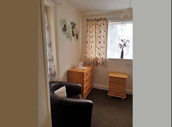 EasyRoommate UK - GREAT Location Walking distance to queens hospital, Burton-on-Trent - £342 pcm