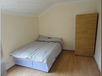 EasyRoommate UK - Furnished Rooms Near The Hospital, Bedford - £380 pcm
