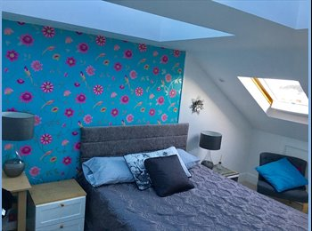 EasyRoommate UK - Large homely double bedroom with ensiute, Rochester - £549 pcm