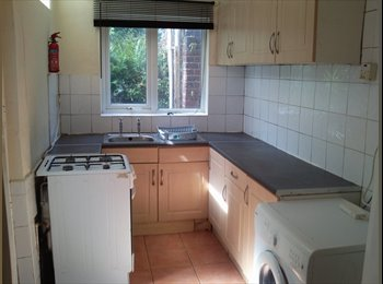 EasyRoommate UK - Students urgently required for shared house, Crookesmoor - £260 pcm