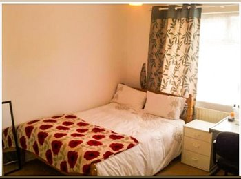 EasyRoommate UK - NORTON, LUXURAY Large Double bedroom Inc. CLEANER, Stockton-on-Tees - £340 pcm