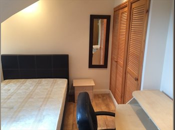 EasyRoommate UK - Central Moseley friendly professional houseshare, Moseley - £400 pcm