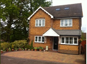 EasyRoommate UK - Double room to rent in quiet location in Quelm Park, Bracknell - £550 pcm