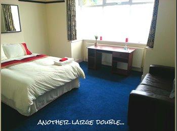 EasyRoommate UK - Monstrous Attic Room, Rotton Park - £495 pcm