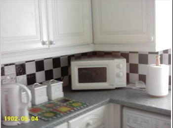 EasyRoommate UK - ROOM TO RENT, Birley Carr - £240 pcm
