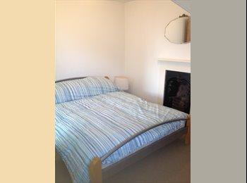 EasyRoommate UK - Double rooms or flatlet to rent near Stoke village, Stoke Village - £400 pcm
