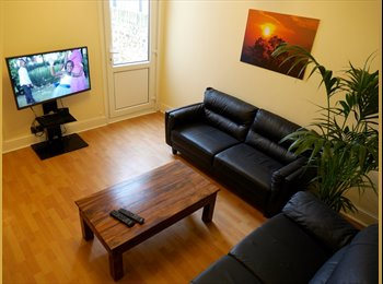 EasyRoommate UK - Amazing  Double Rooms in Great House, Barking - £500 pcm