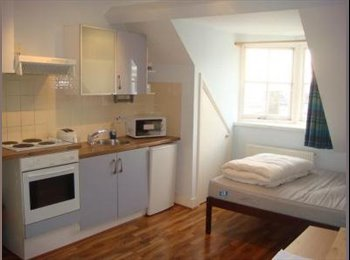 EasyRoommate UK - SW6 Dawes Road Studio Double, Fulham - £600 pcm