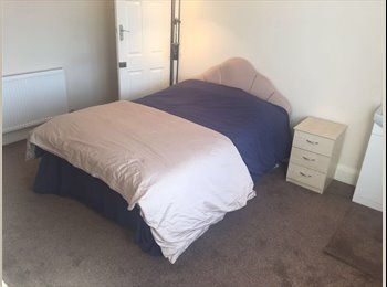 EasyRoommate UK - Barkingside, Barkingside - £500 pcm