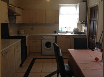 EasyRoommate UK - One double room to rent, Cheetham Hill - £280 pcm
