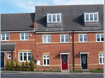 EasyRoommate UK - Professional Houseshare Newton Le Willows, Newton-le-Willows - £434 pcm