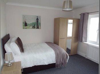 EasyRoommate UK - New luxury ***** EN-SUITE ROOM *****, Cradley Heath - £400 pcm