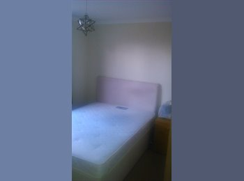 EasyRoommate UK - Single room with En Suite in quiet residential area within easy reach of Oxford., Littlemore - £550 pcm