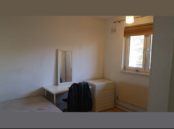 EasyRoommate UK - DOUBLE ROOM FOR RENT - LONDON E14, Poplar - £550 pcm