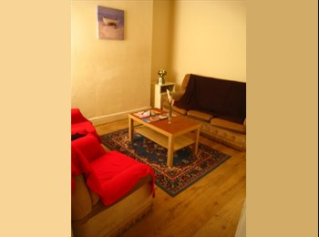 EasyRoommate UK - 4/5 Bed Student Home, Kensington - £325 pcm