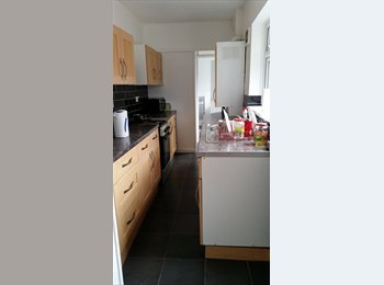 EasyRoommate UK - Double furnished bedroom, close to town, close to uni, newly refurbished, Middlesbrough - £340 pcm