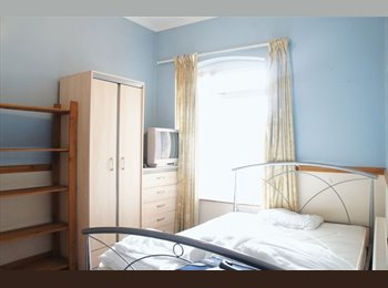 EasyRoommate UK - STUDENT HOUSESHARE, B23, FROM £75PW!, Gravelly Hill - £325 pcm